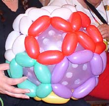 CharmandHappy.com 562-948-5342 carmen@charmandhappy.com Balloon Art Entertaining Customers at Restaurants, Private Parties & Sports Venues